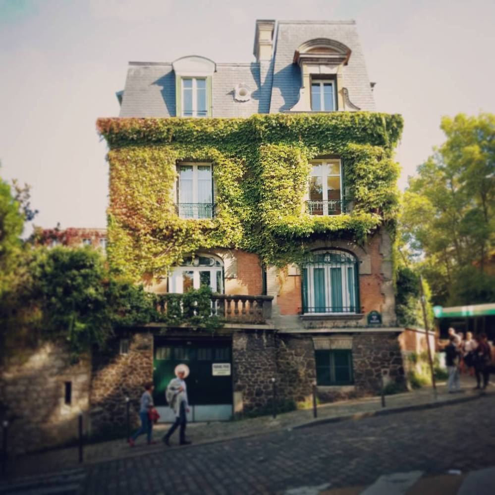 things to do in Paris - Montmartre walking tour